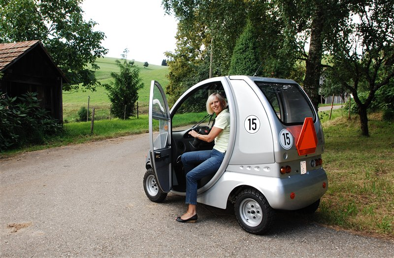 elektroscooter charly reha mobil elektromobil fahrerlaubnisrecht. Black Bedroom Furniture Sets. Home Design Ideas